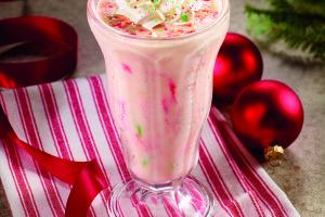 Ho Ho Ho! Santa's Milk & Cookie Shake (No, It's NOT Too Early!) #DennysDiners
